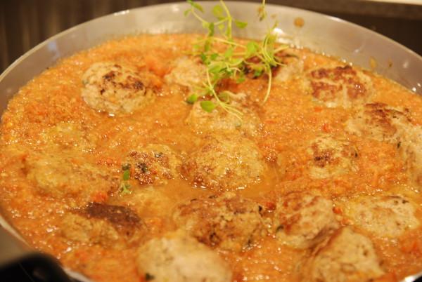 Kjøttboller i tomatsaus
